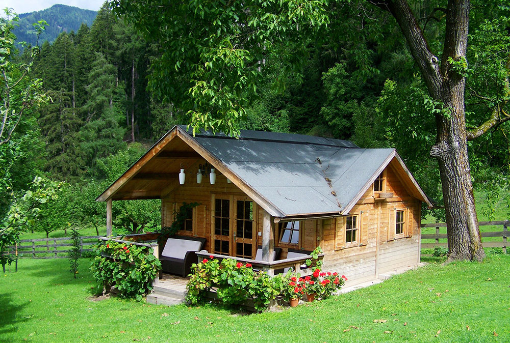 The Benefits of Living Off Grid